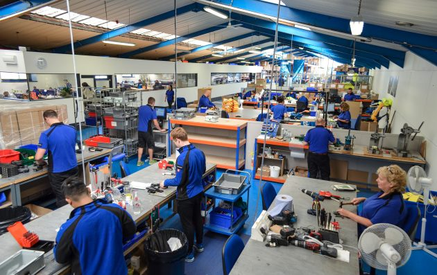 Factory-people-photo-2-Mr-630×397