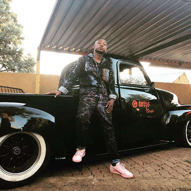 KHULI CHANA AND CARS