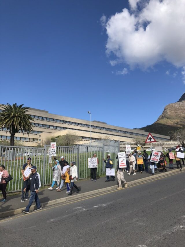 Anti-vaxxers target Groote Schuur hospital in protest